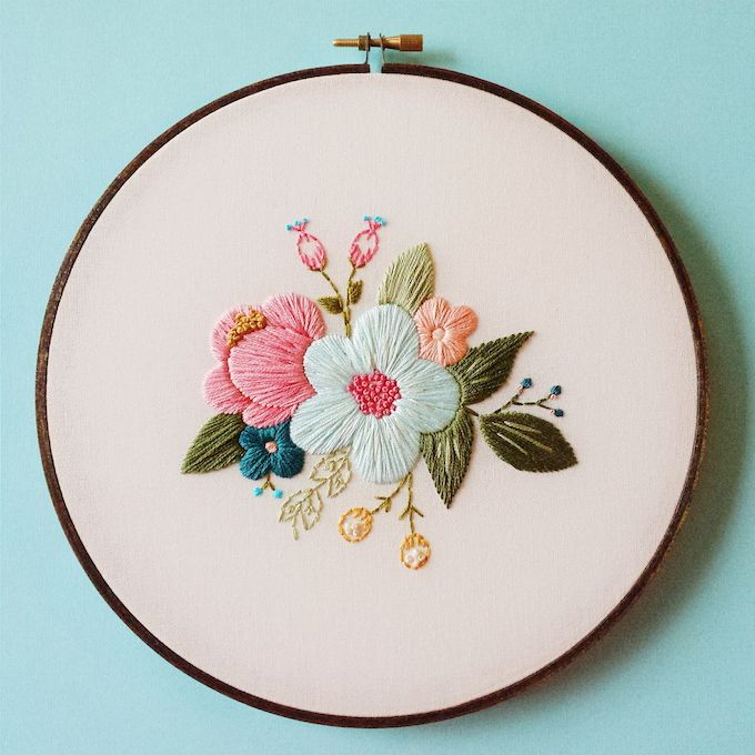 Delicate Hoop Art Embroidery Blossoming with Floral Motifs – My Modern Met