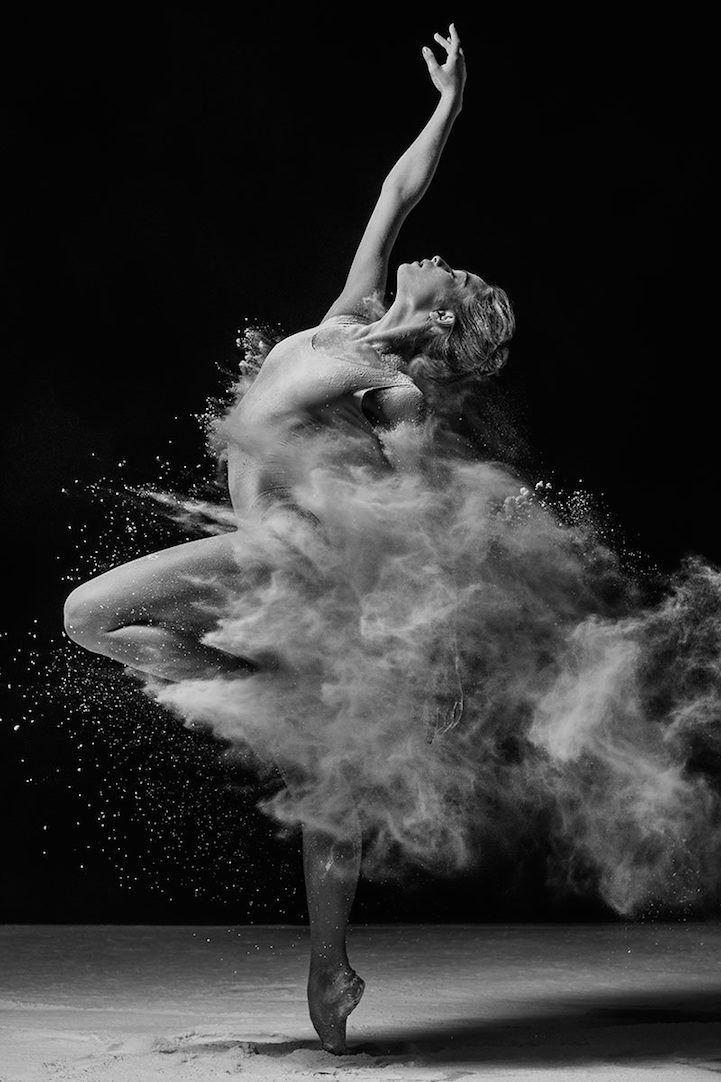 Photographer Alexander Yakovlev captures the elegant, refined energy of dancers….