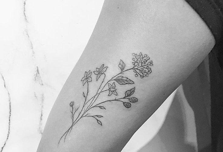 """""""Bunch of Flowers"""" (Tricep) #instatattoos #newtattoo #tattooartist #inkedup #tat…"""