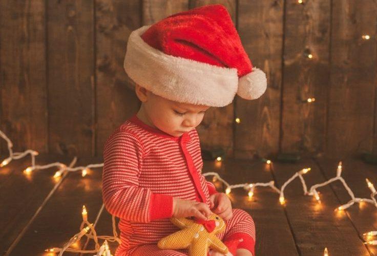 Christmas Baby Photo Ideas || Holiday Toddler Photo Ideas || Memories to make fo…