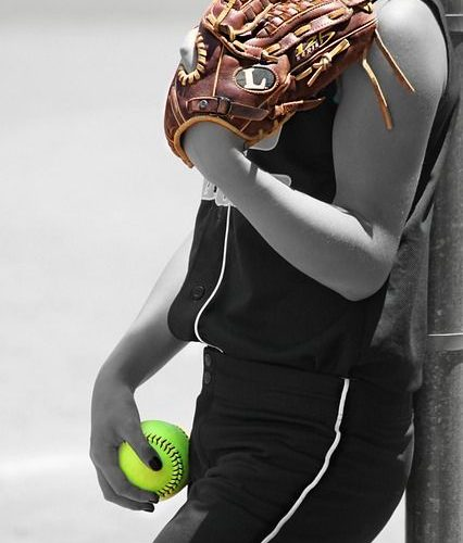 I want my mom to take softball pics of me. I think she could do something like t…