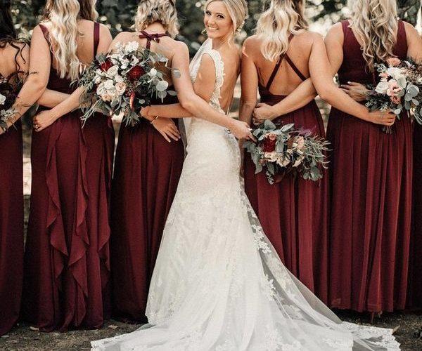 Wedding bridesmaids photo ideas #weddings #bridesmaid #weddingphotos #weddingide…