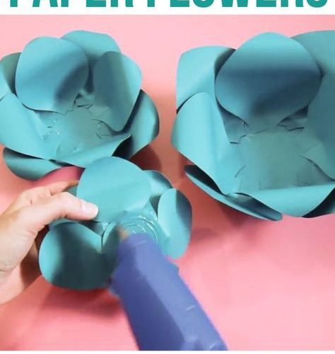 How to make giant paper flowers for DIY wedding decor, party backdrops or to dec…