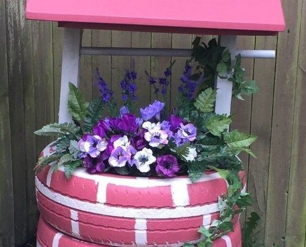 44 Creative Container Gardening Flowers Ideas Decorations #creativecontainer #fl…
