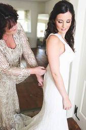 Must-Have Wedding Pictures of Getting Ready for the Big Day