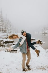 Snowy Engagement Session at Rocky Mountain National Park, CO | Rachel  Joey | Wandering Weddings